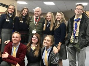 students and WWII Veteran